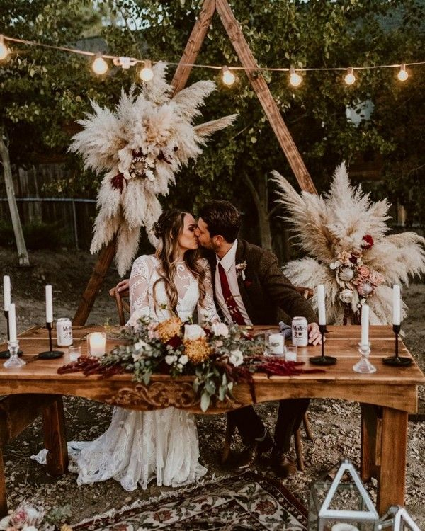 boho pampas grass wedding sweetheart table decor1 #wedding #weddings #weddingideas #bohemian