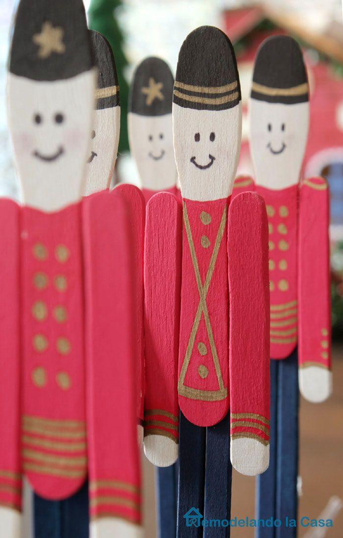 Soldaditos decorativos con palos de helados - http://www.manualidadeson.com/soldaditos-decorativos-con-palos-de-helados.html