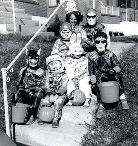 201 best Vintage Halloween Costumes images on Pinterest | Vintage ...