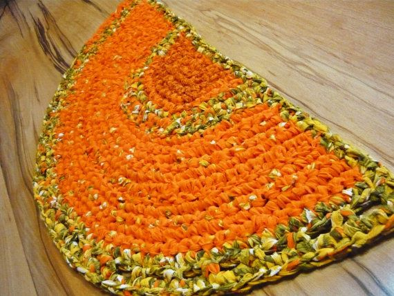 Handmade Rug Rag Rug Bathmat Cotton Rug Doormat by MagicByCrochet