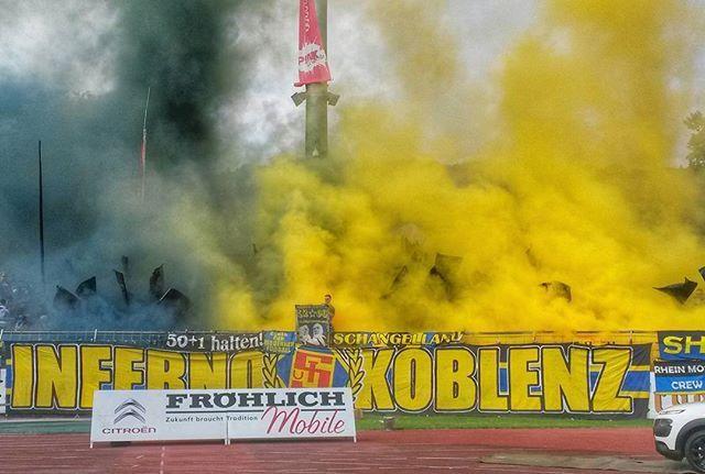 TuS Koblenz vs. 1. FC Saarbrücken 0:1. | #tuskoblenz #tuskob #koblenz #fußball #stadionoberwerth #regionalliga #fans #pyro #rheinstagram #igerskoblenz #photooftheday #instagramhub #instagood #colours #samsungs4mini #landschaft #landscape #my_germany #ig_deutschland #loves_germany #meindeutschland #loves_united_germany #ig_today #deutschland_greatshots #koblenzergram