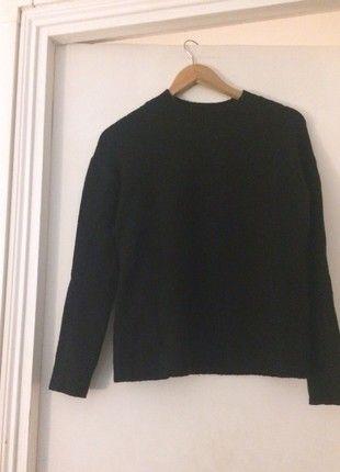 À vendre sur #vintedfrance ! http://www.vinted.fr/mode-femmes/pulls-dhiver/52120601-superbe-pull-other-stories-noir-taille-s