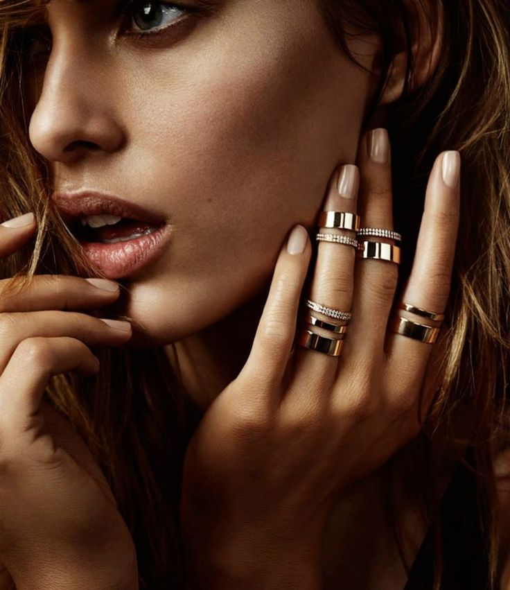 http://www.fashiongonerogue.com/barneys-spotlights-spring-15-jewelry-looks-repossi/