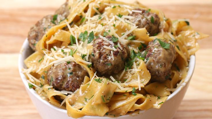 A pasta that contains meatballs,it is easy to make and you only need one pot to make it. These are the components of formula for great pasta. It is perfect if you need something simple, but tasty. It has wonderful flavors and Swedish style meatballs complement perfectly this pasta.  INGREDIENTS 1 pound ground beef …