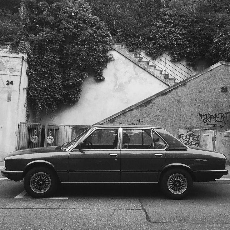 Egal ob NEU oder ALT  für sein Auto sollte man eine Mobilitätsgarantie haben oder Mitglied in einem Autoclub sein. Eine neue Art dafür ist JimDrive. Ich werde dies jetzt ein Jahr lang testen und meine Erfahrungen teilen. Wenn ihr das auch wollt dann bekommt ihr mit folgendem Code 50% Rabatt: JIMSRFNTHWVS. Gute Fahrt!  _______ #jimdrive #mobilität #car #auto #bmw #oldtimer #blackwhite #stuttgart #0711 #stuggi sponsored