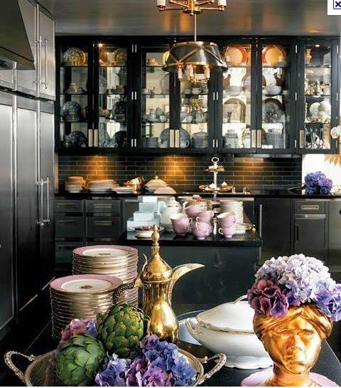 Lua Los Angeles: KITCHENS