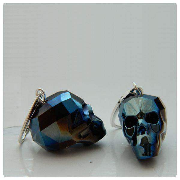 Fülbevaló inspiráció Metallic Blue 2x színű #Swarovski Koponya gyöngyökből.