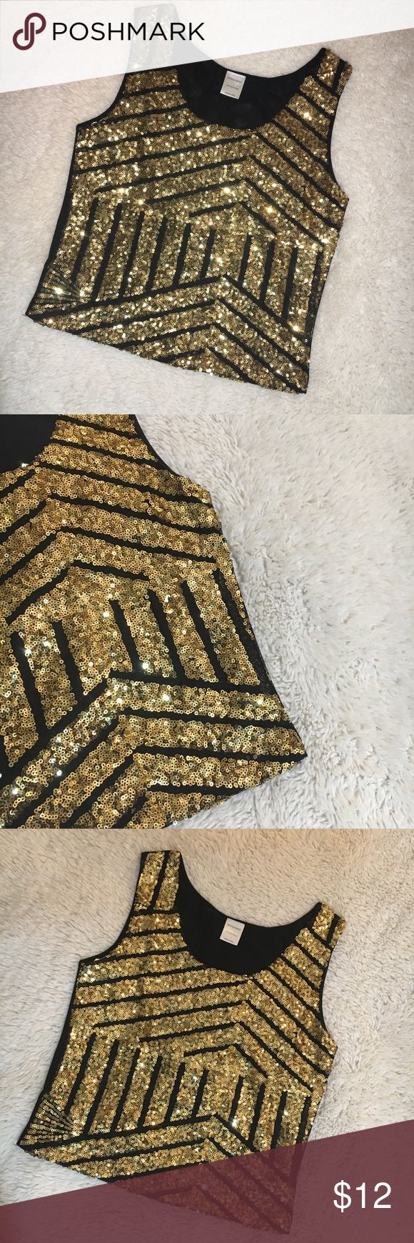 Gold and black sparkly crop top tank! NWOT Gold and black sparkly crop top tank! NWOT Tops Crop Tops