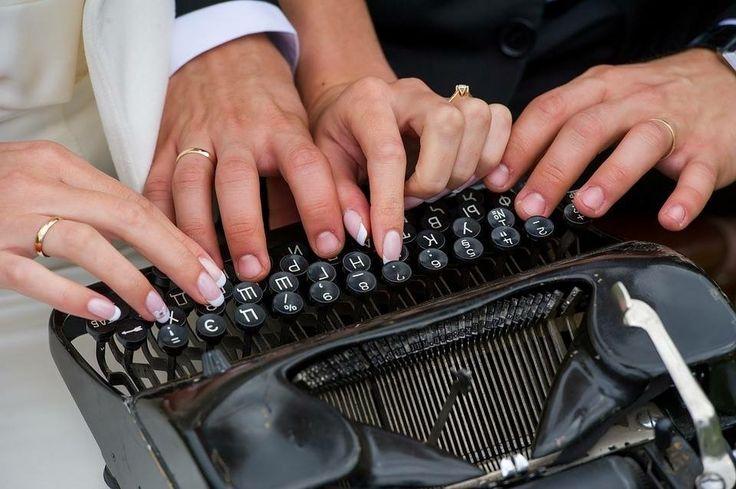 Il giorno del  #matrimonio è l'inizio di un nuovo capitolo nella vita degli #Sposi. I nostri #WeddingPlanner sono li con loro per aiutarli a scrivere la loro storia d'amore e trovare per il giorno delle #nozze un #tema per raccontarsi come coppia ai loro #invitati e celebrare insieme agli  #ospiti il loro #GiornoPiùBello...quello del #Sì #LoVoglio Venite a conoscere le nostre proposte per l'organizzazione del vostro matrimonio su www.eventovincente.com