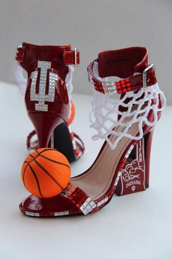 "We bet Hoosier Nation will love Miss Indiana 2013 Terrin Thomas's outfit for the Miss America ""Show Us Your Shoes"" Parade this Saturday in Atlantic City! Here's just a sneak peek."