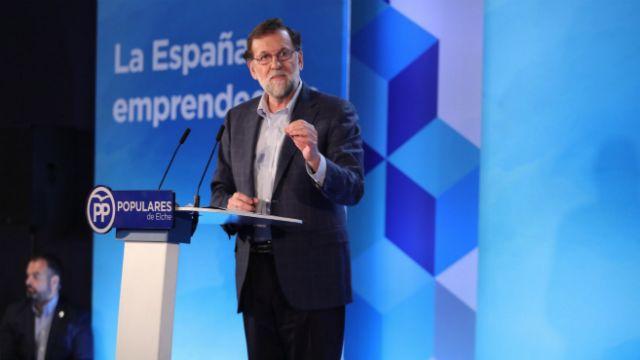 El presidente del Gobierno, Mariano Rajoy, ha anunciado este sábado que presentará al Partido Socialista una propuesta en materia de