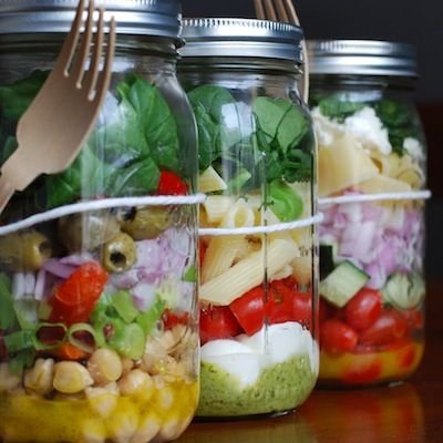 3 different mason jar salad ideas! Caprese Pasta Salad, Chickpea Salad, and