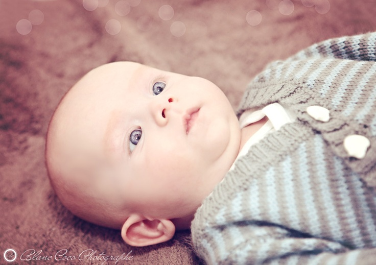 Baby cute #baby http://www.blanccoco-photographe.com/blog/2011/11/18/adrien-petit-glouton-de-11-semaines-geneve/