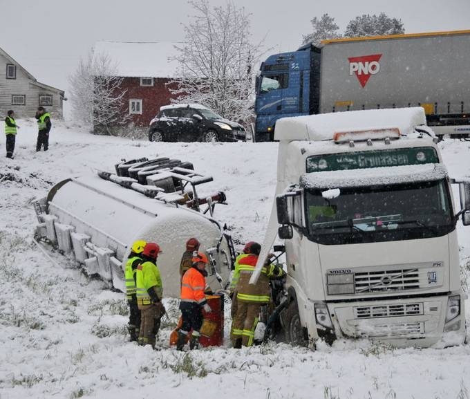 101 Best Images About Truck Crashes On Pinterest