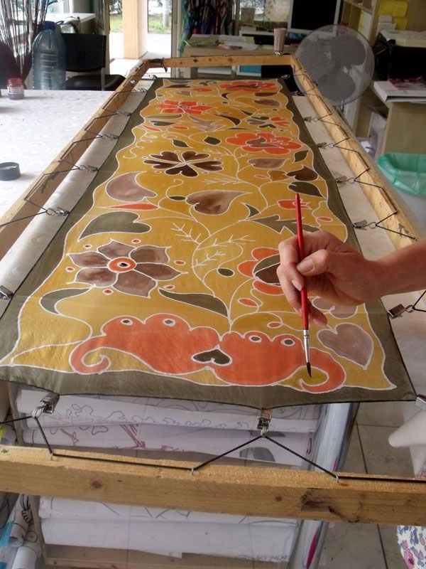 http://silkywaysilk.com Hand painted silk scarves from Budapest.