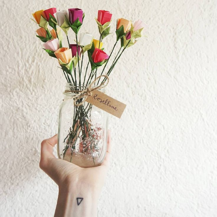 Alle 12:00 di oggi abbiamo dato il benvenuto a @fiorigami: per due settimane, sarà nostra ospite in occasione del #temporary_corner! Ora lavoriamo al video di presentazione che presto caricheremo sul nostro canale YouTube ma appena avremo un minutino libero, vi faremo vedere su stories una piccola anteprima! Seguiteci! #fiorigami  #feliceadesso #dovefiorisconoleidee