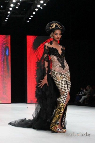 Indonesia Fashion Week 2014: Anne Avantie