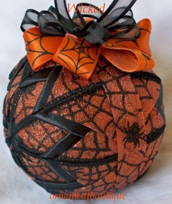 Halloween Ornament Decoration quilted by OrnamentBoutique