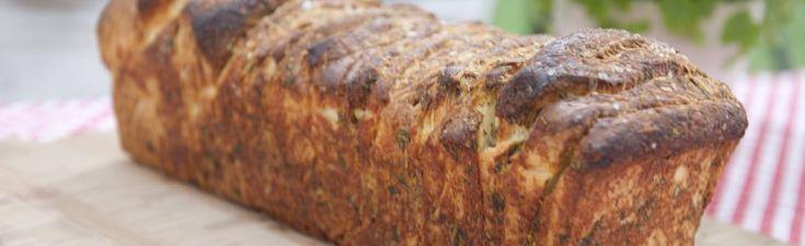 Stablebrød med timian, basilikum, sitron og parmesanvhttp://www.bakerinnen.no/stablebrod-med-timian-basilikum-sitron-og-parmesan/