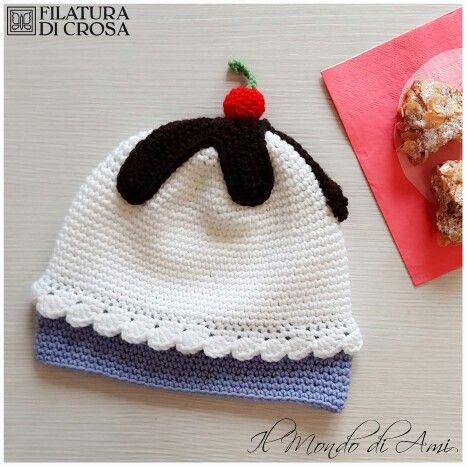 """Berretto Cupcake per bimbi realizzato con filato """"Zara"""" Filatura di Crosa #berretto #hat #cupcake #sweet #bimbi #kids #crochet #uncinetto #handmade #fattoamano #filato #yarn #filaturadicrosa #tricot"""