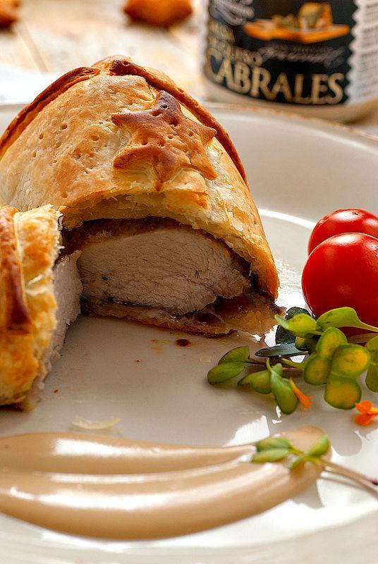 Hojaldres de solomillo de cerdo con salsa de queso Cabrales