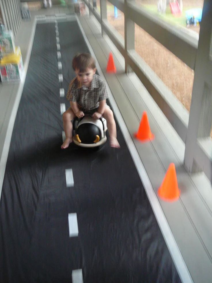 cute!  love the little road and the cones  :)