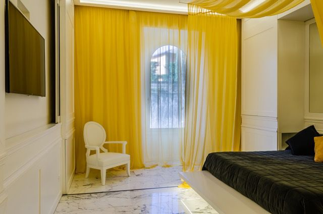 ristrutturazione di interni #roma fausto di rocco architetto #fastlabarchitetti #interior #marble #black #gold #marmo #nero #oro #camera da letto #bedroom #white #bianco #curtains #tende