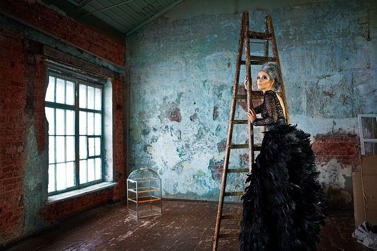 MUAH: Viktoria Romanovskova PH: Nina Verbina Dress: Olga Malyarova #model #modelshoot #portfolio #fashion #inspiration #make_up #photoshoot #style #stylist #model_portfolio #stylist #fashion_design #MUA #MUAH #feather_dress