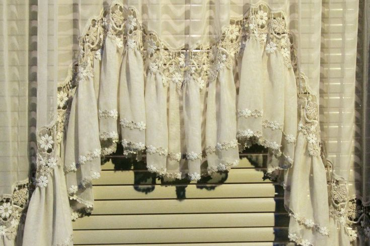 Wood Blinds With Lace Curtains My Bedroom Make Over