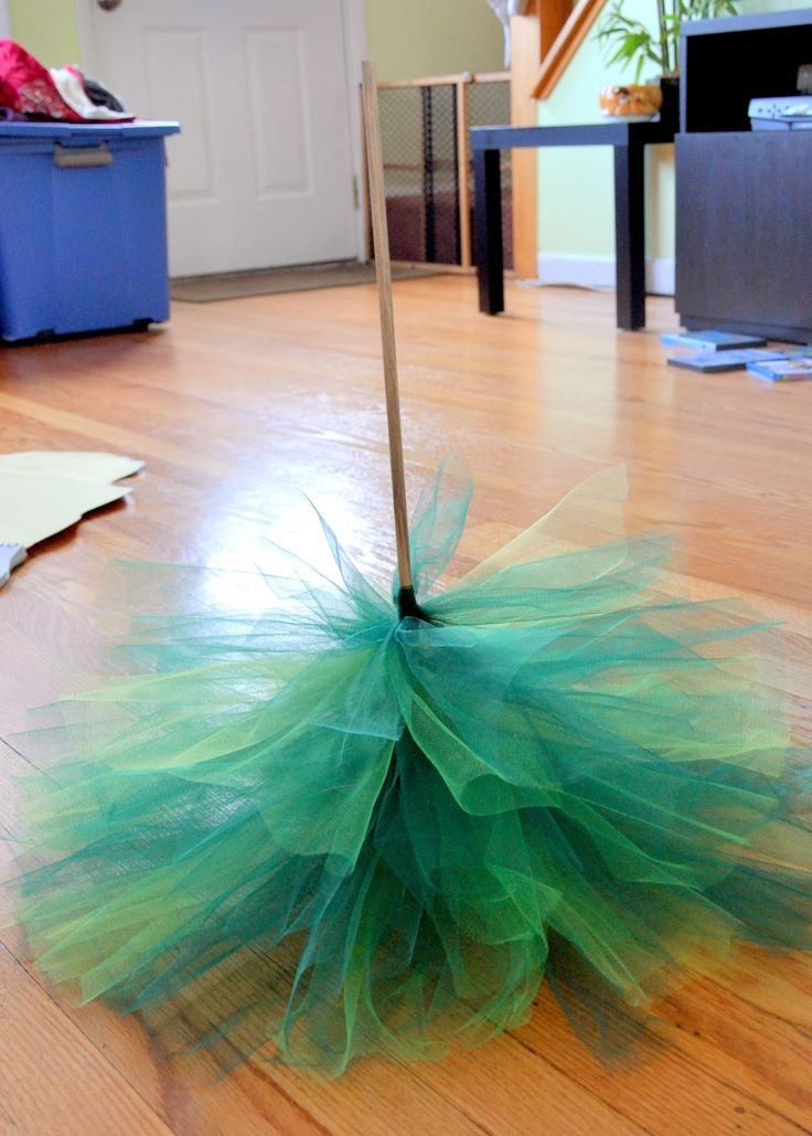 tulle christmas tree | DIY: Tulle Christmas Tree