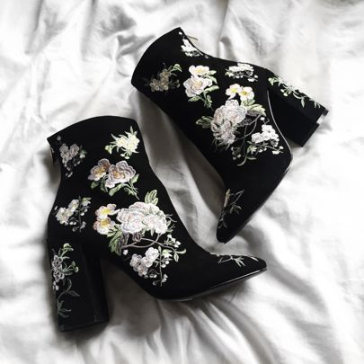 These perfect velvet embroidered boots from /missselfridge/ are