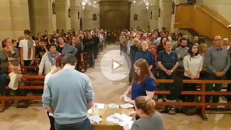 Los separatistas hicieron recuento de votos ante el altar durante una misa en un pueblo de Tarragona