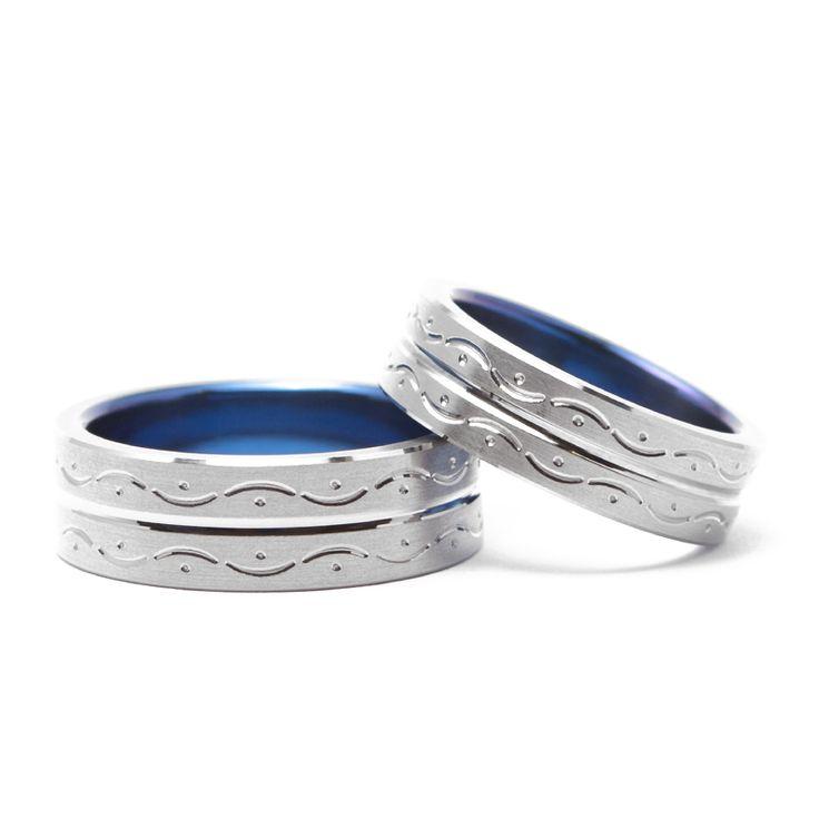 【結婚指輪 チタンアートさざ波】「寄せては返し」と波をモチーフにデザイン。 波のイメージに合わせブルー発色がおすすめ!素材:Ti(チタン)