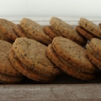 Makové sušenky s mandlovým krémem