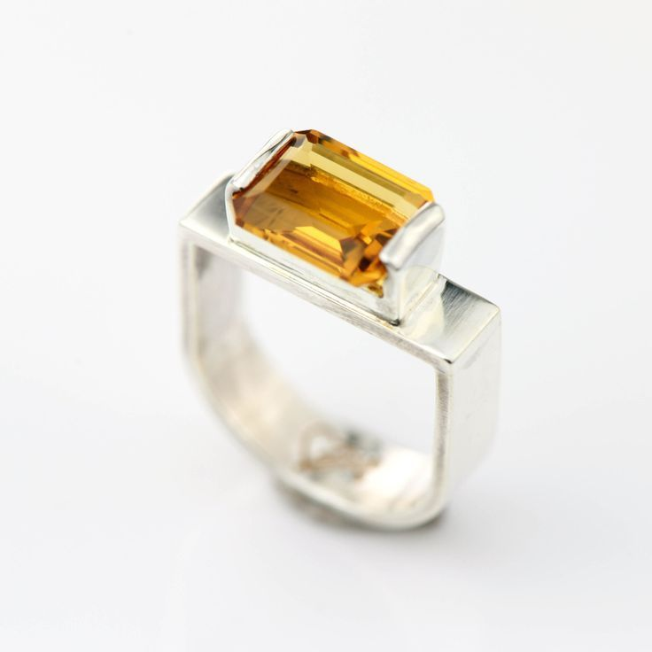 Idée et inspiration bague:   Image   Description   Sterling Silver Citrine Ring Silver Stacking Ring Citrine Solitaire Ring Citrine Jewelry Handmade Stirrup Design Silver Ring