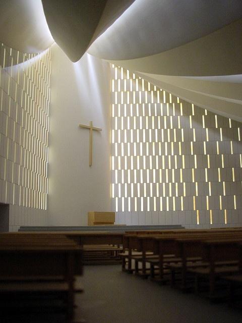 Miguel Fisac, Iglesia Gaviota by ekainj, via Flickr  maravillosa!