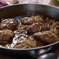 Pioneer Woman Salisbury Steak Recipe by Food Fanatic
