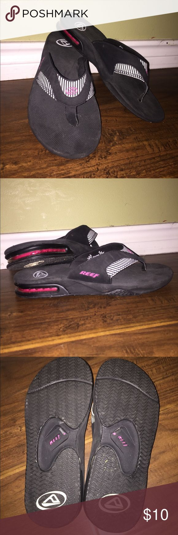 Reef Flip Flop Sandals Reef Flip Flop Ladies Sandals Black/White/Hot Pink Size 10 Great for Summer Water Trips They Even Have a Bottle Opener on the Bottom! How Cool is that! Reef Shoes Sandals