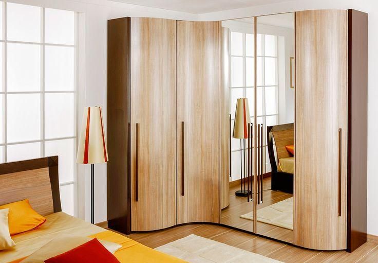 Угловой шкаф с зеркалом и радиусными фасадами | Дизайн интерьера современной спальни #астрон #мебель #astron #спальни #шкаф