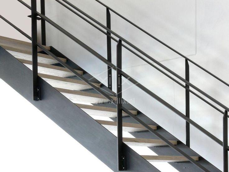 industriële design steektrap blank gelakt staal xillix.nl, vergrijsd essen treden.