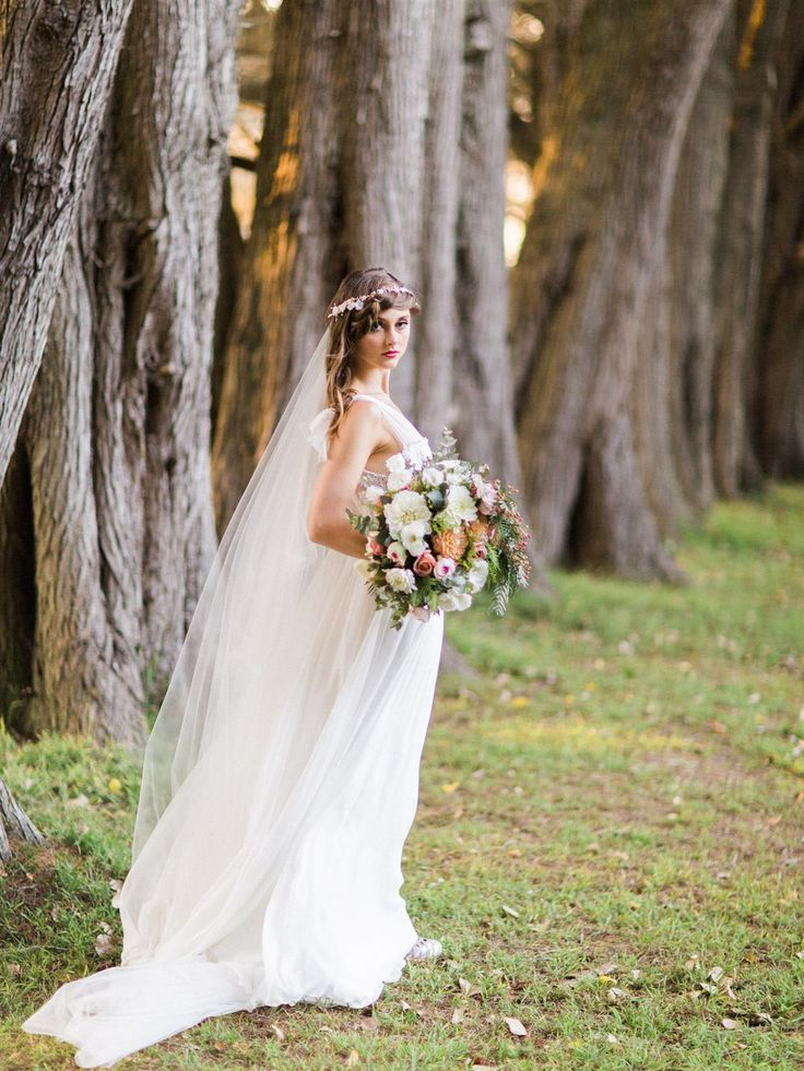 """Enchanted Forest"" – Ethereal Autumn Wedding Inspiration"