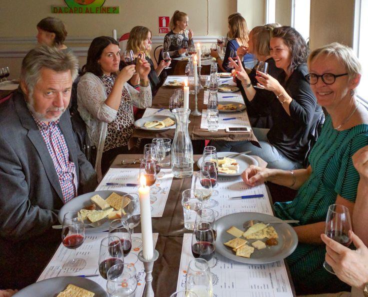Ost och vinprovning i Uppsala. Den här lördagen var det dags för en ost och vinprovning på Reginateatern i…