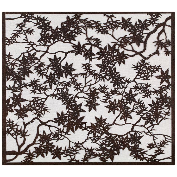 """Szablon farbiarski """"Ise-katagami"""" z motywem gałązek i liści klonu (""""momiji""""), Muzeum Sztuki i Techniki Japońskiej Manggha"""