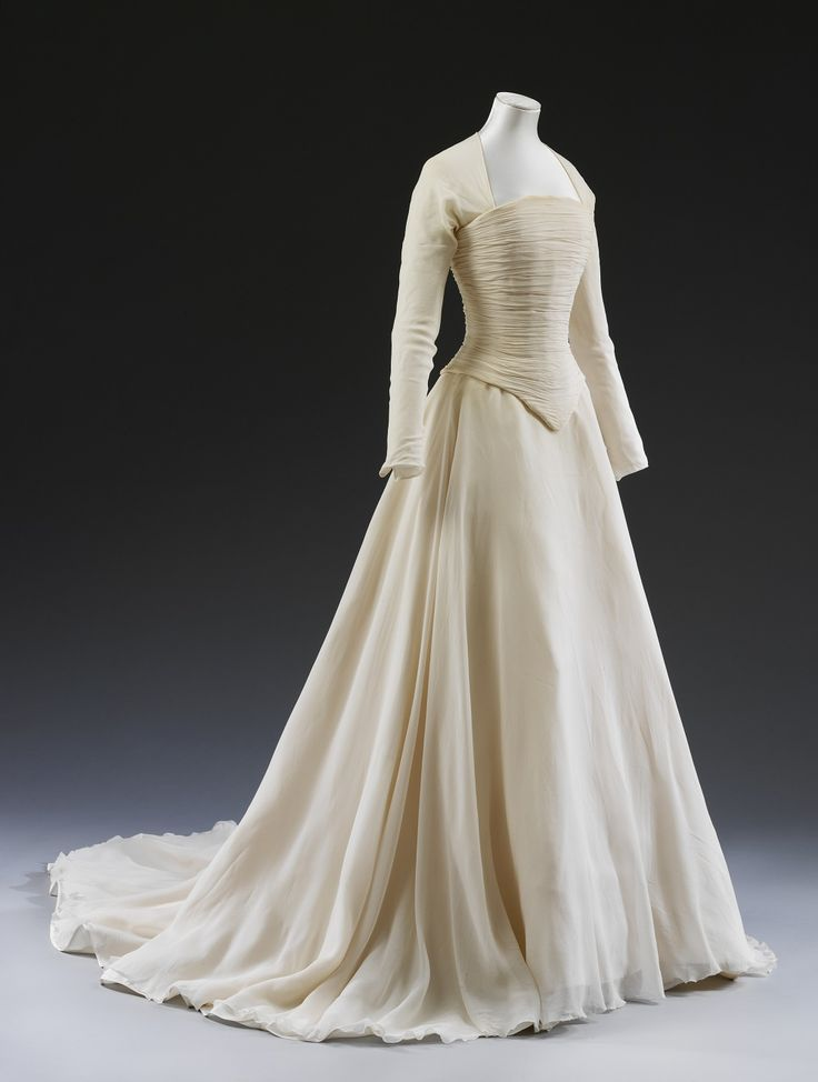 Lady Sarah Chatto's exquisite ivory wedding dress by Jasper Conran, 1994, @V_and_A
