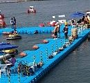 Floating leisure park which installed in Inchon 2012 for International boat show. This is a perfect match to build quick and easy water park structure.  인천에 설치된 수상공원으로 소형보트, 수영장등의 시설을 사용할수 있도록 제공된 시설물입니다.
