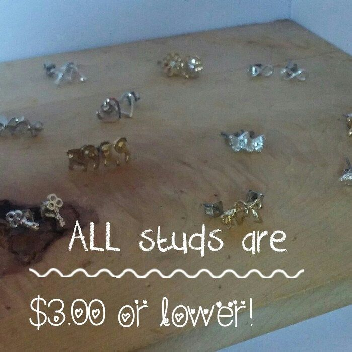 All stud earrings in my shop are on sale for $3.00CA or less! Don't miss out, limited time offer!🌞 use the coupon SHIPFORFREE for free shipping worldwide!
