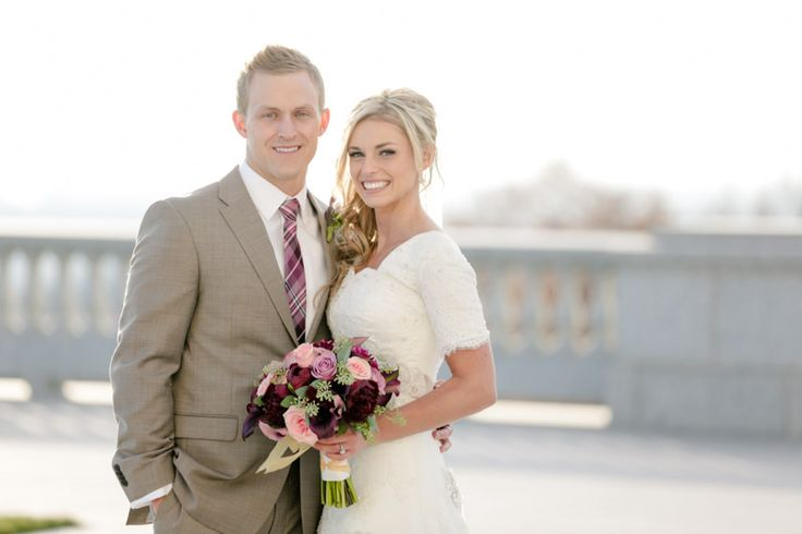 EK Studios Photo & Video is a Utah based company specializing in engagement, bridal, and wedding photography and videography services. EK Studios operates out of Lehi, Ut in Utah County.
