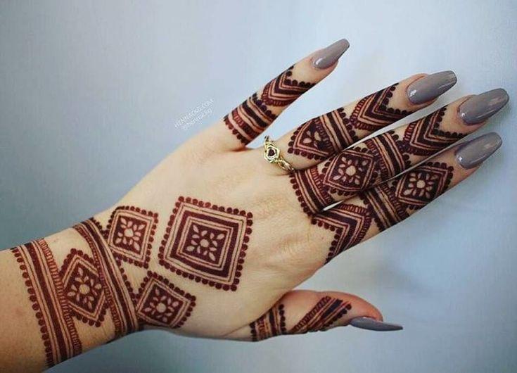 Elegant back hand mehndi design