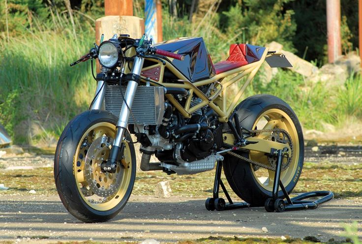 This Ducati ST2 build is the epitome of a professional job as it boasts a lot of character and the builder seems to have paid attention to every little detail, opting to spend time, energy, and mon…