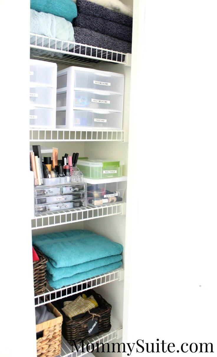 Small linen closet organization tips and tricks! I love how this closet came together!